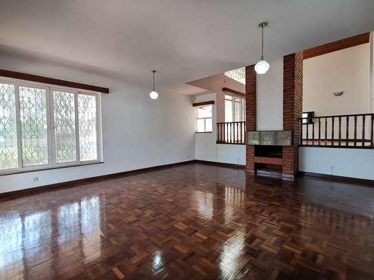 4 bedroom house for rent in Runda image 17