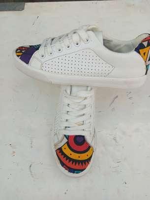 Unisex sneakers image 2