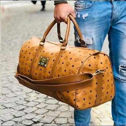 Light brown quality designer duffle bag image 1