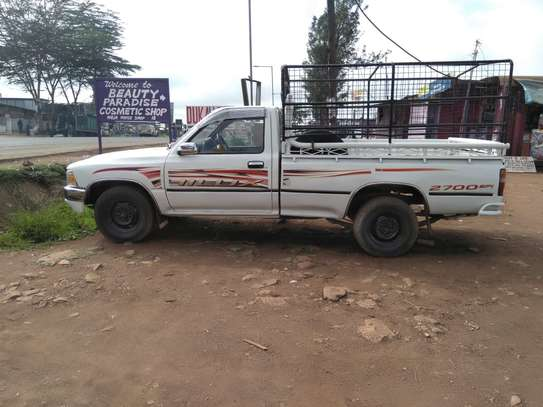 TOYOTA HILUX PICK UP RN85 image 2