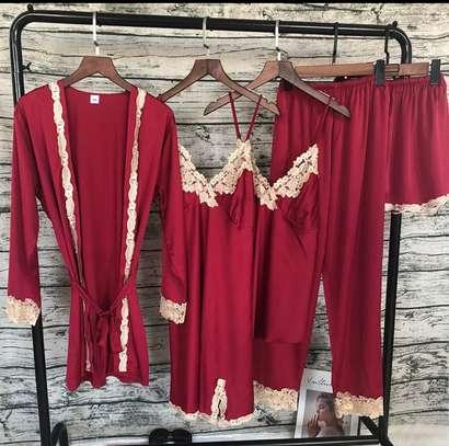 Nightdress/nightwear image 4