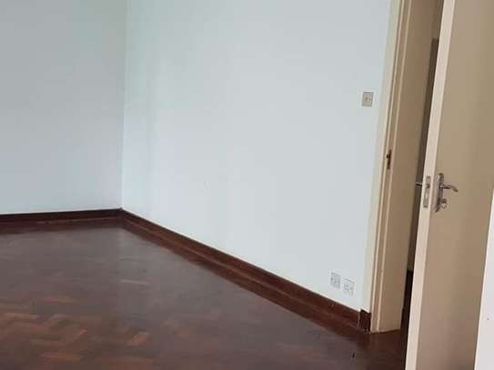 5 bedroom house for rent in Rosslyn image 16