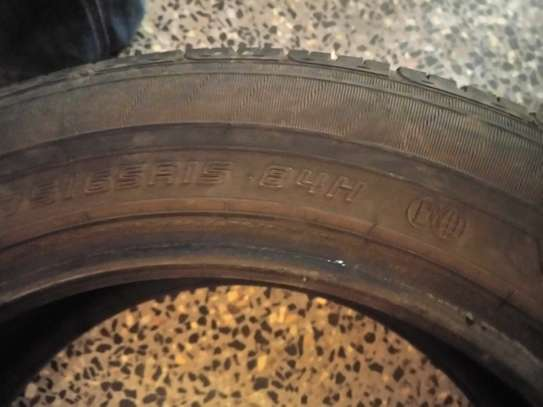 Dunlop 175/65R15 Tyre in great condition image 2