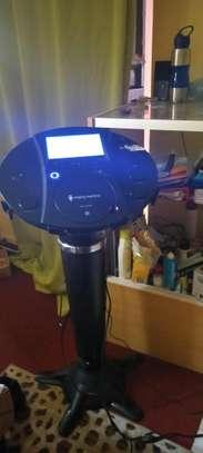 Karaoke (singing) machine