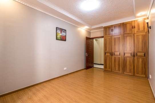 Furnished 4 bedroom apartment for rent in Kilimani image 7