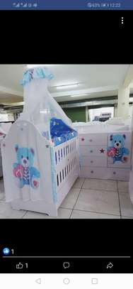Modern baby crib/cot image 1