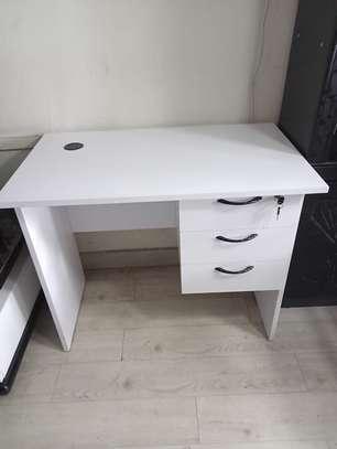 0.9m office desk image 3