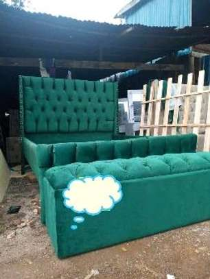 A green classy Chesterfield bed image 1