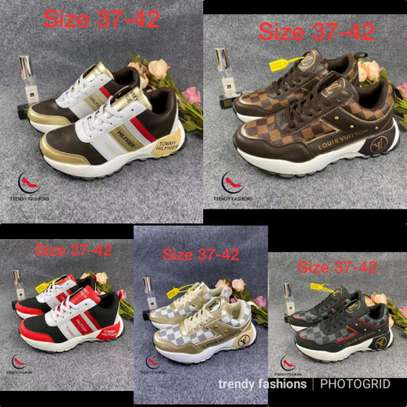 Quality sneaks image 1