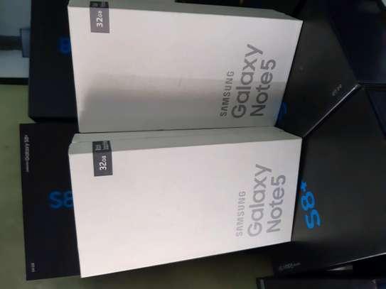 Samsung Note 5 image 7