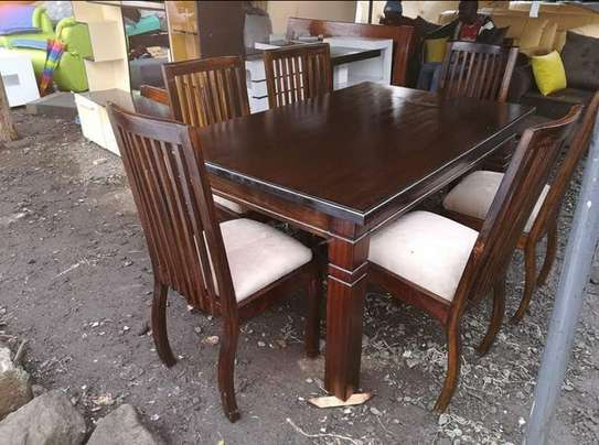 6 Seater Classic Dinning Set image 3