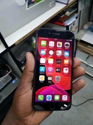 Ex-Uk iPhone 7 32gb image 1