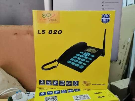Sq L820 GSM Desktop Land line  Phone image 1