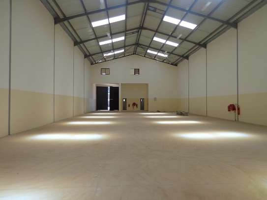 8000 ft² warehouse for rent in Athi River Area image 5