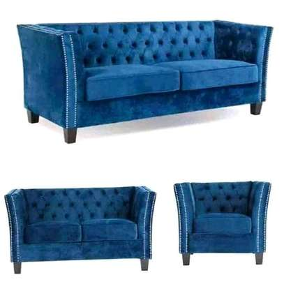 Elegant Timeless Quality 6 Seater Chesterfield Sofa image 1