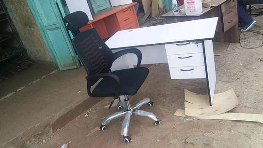 Office desk and headrest chair. image 4