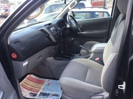 Toyota hilux double cab d4d diesel image 6