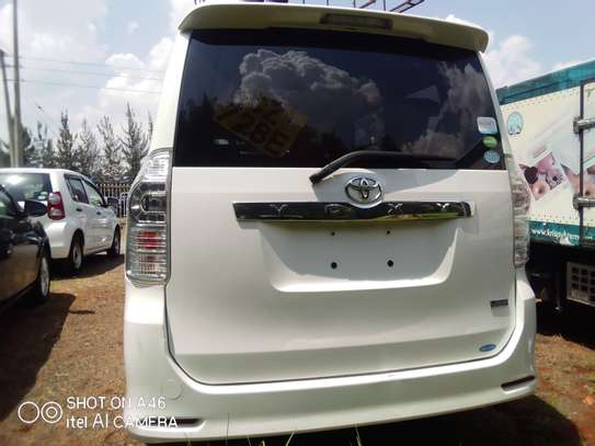 Toyota voxy clean very new