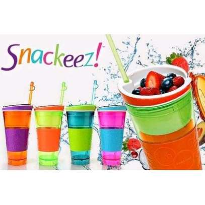 2 in 1 snackeez cup image 1