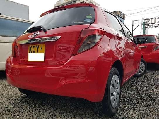 Toyota Vitz 1.0 F image 4