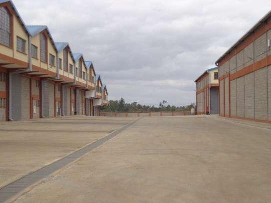 8200 ft² warehouse for rent in Juja image 5