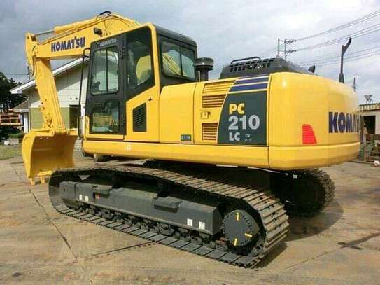 Hydraulic Excavator* powered by KOMATSU
