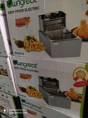 Electric single deep fryer image 1