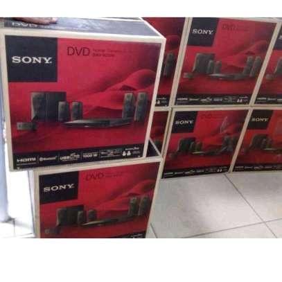 Sony Home Theater DAV-DZ350 image 1