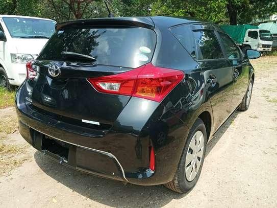 Toyota Auris 2013 image 1