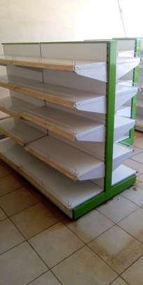 Shop shelves and display units image 6