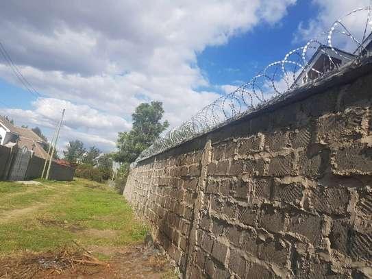 Razor wire installation in Embakasi. image 1