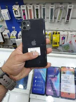 Iphone 11 image 4