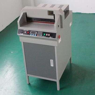 450VS+ Digital control automatic stack paper cutter machine image 1
