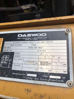 Daewoo Folklift image 4