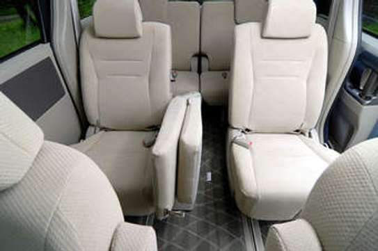 Car hire sevices at affordable prices image 3