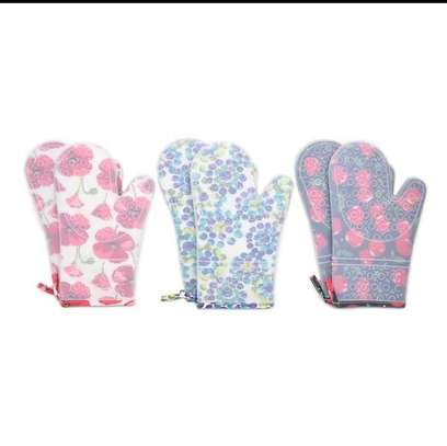 Oven mitts image 1