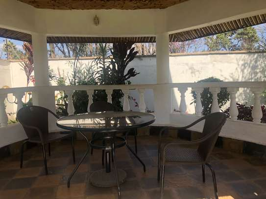 Furnished 6 bedroom house for rent in Runda image 4