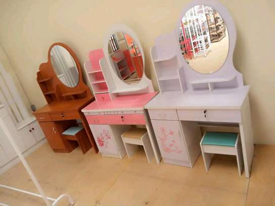 DRESSING TABLES image 1