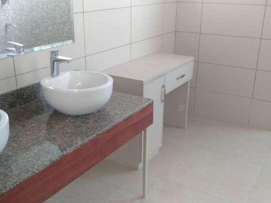 Riverside - Flat & Apartment image 19