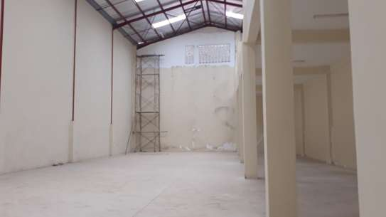10,000 Sq ft WAREHOUSE FOR LET image 6
