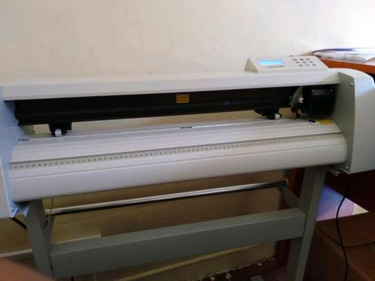 Plotter machine