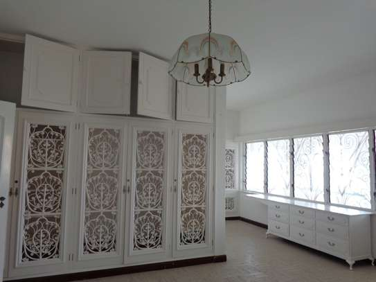 4br beach villa house with 2br guest wing for rent in Nyali. Hr15 - 1229 image 8