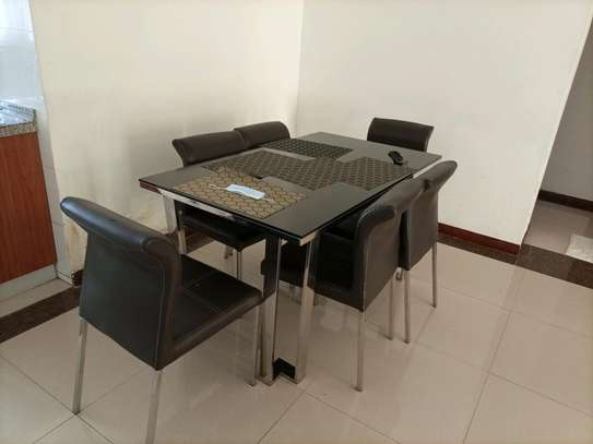 Romantic fully furnished 2 bedrooms to let at kilimani image 3