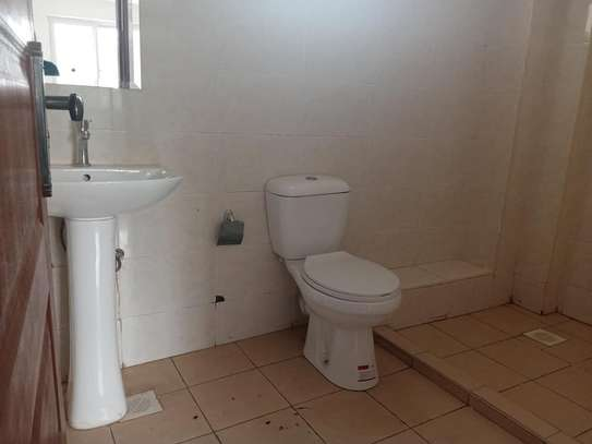 2 bedroom apartment for rent in Ngong Road image 12