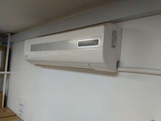 Two Air Condition 18,000 BTU Hardly USED image 3