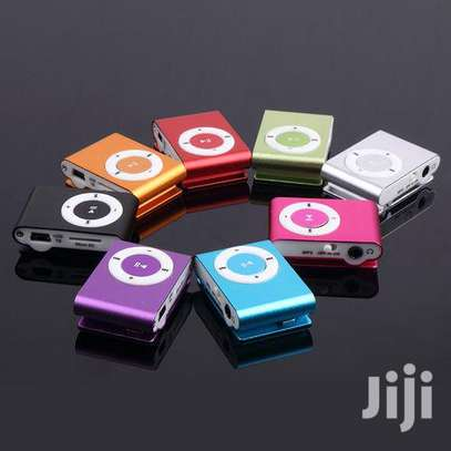 Mp3 Player And Earphone's image 1