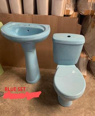 Close couple toilet & sink set image 5