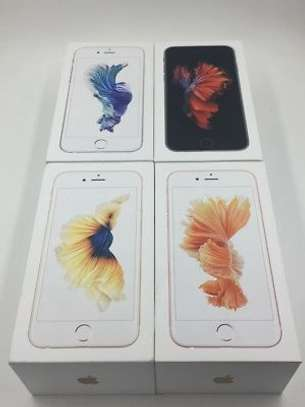 Apple iPhone 6s (128GB) image 6