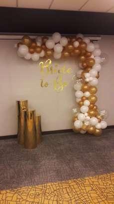 Balloon Garland and balloon decor