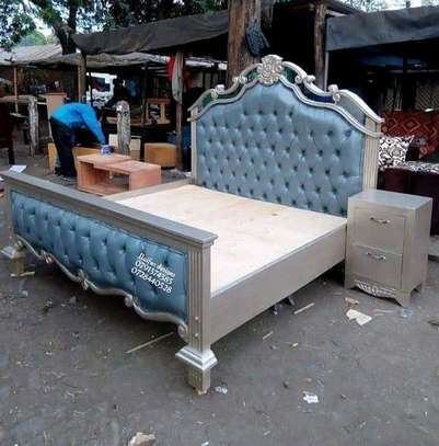 Modern beds/Luxury beds/antique beds/5*6 beds image 1